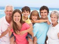 ۷ فایده ارتباط با خانواده همسرتان