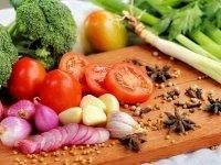 با خوردن این میوه ها و سبزی ها لاغر شوید