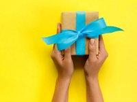 راهنمای انتخاب هدیه  مناسب برای خانمها