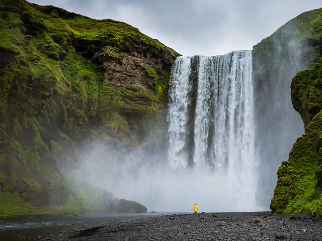 ایسلند و جاذبههای شگفتانگیز آن