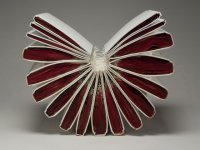 تبدیل کتاب های قدیمی به آثار هنری